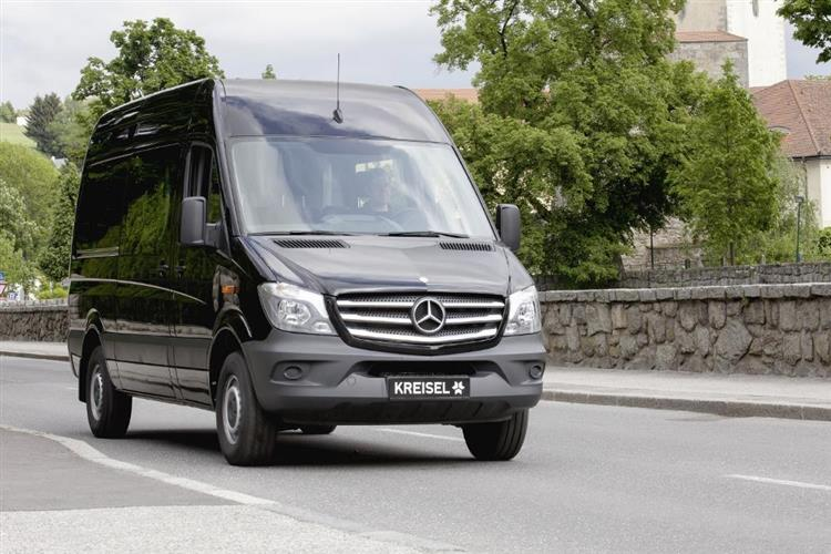 mercedes sprinter electric une autonomie de 300 km. Black Bedroom Furniture Sets. Home Design Ideas