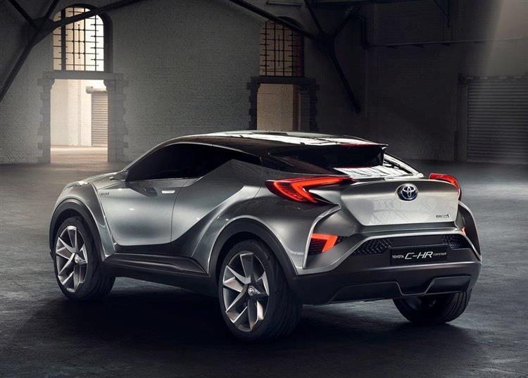 Toyota C-HR : le crossover hybride proche de la série (+ photos)