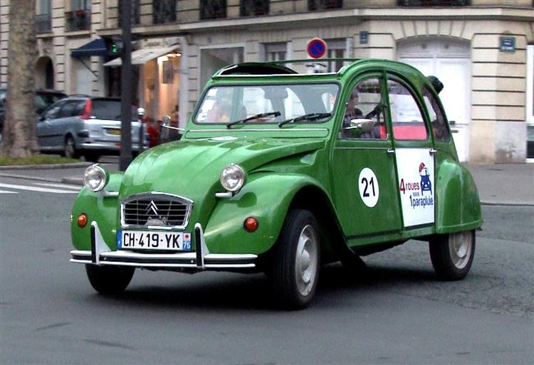 citroen 2cv taxi paris