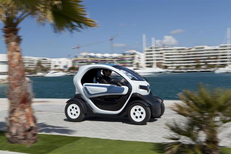 Pour permettre aux personnes en insertion ne disposant pas du permis du conduire de bénéficier de l'offre, des Renault Twizy 45 seront mis à leur disposition