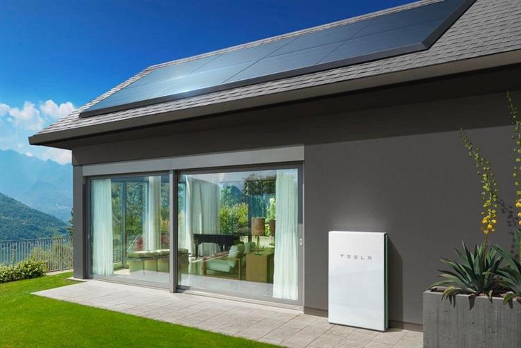 panneaux photovolta ques tesla s attaque au march avec. Black Bedroom Furniture Sets. Home Design Ideas