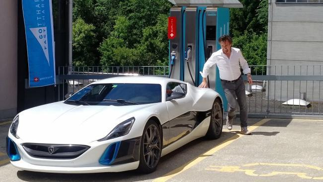 richard hammond victime d 39 un accident au volant d 39 une supercar lectrique