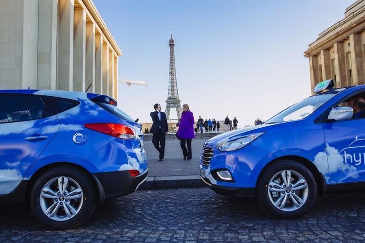 Ces taxis parisiens roulent à l'hydrogène (et c'est une première mondiale) Par Robin Ecoeur  2847_W750