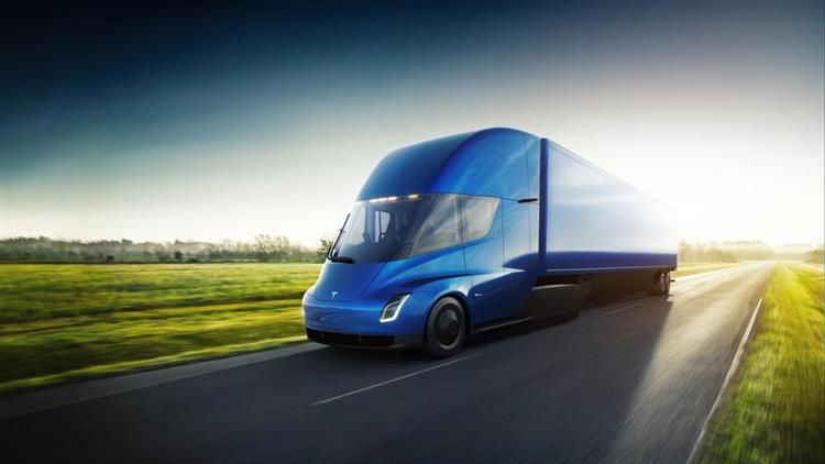 camion lectrique tesla annonce un tarif d butant 130 000 euros. Black Bedroom Furniture Sets. Home Design Ideas