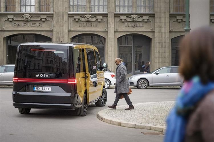 rolls royce lectrique taxis autonomes pays bas l essentiel de l actu de ce mardi. Black Bedroom Furniture Sets. Home Design Ideas