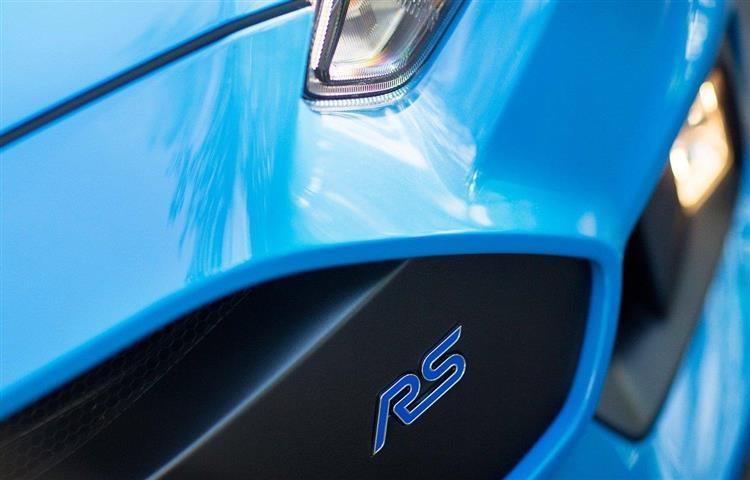 nouvelle ford focus rs une motorisation hybride de 400 ch. Black Bedroom Furniture Sets. Home Design Ideas