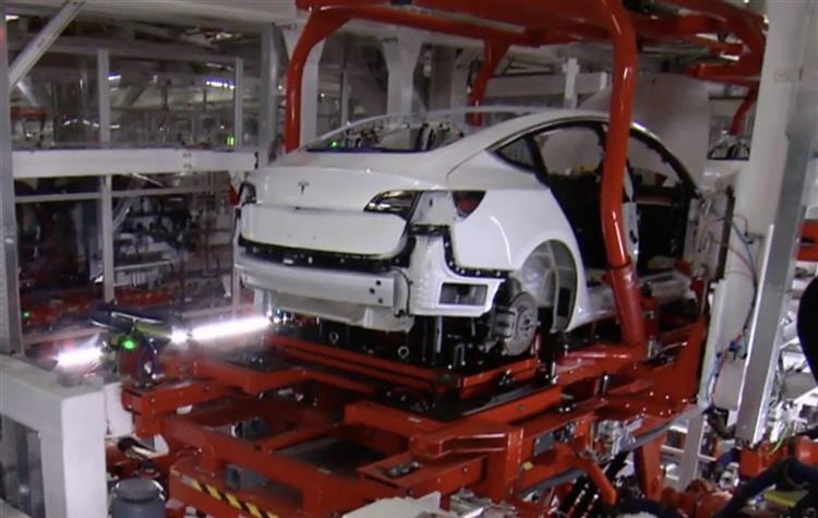 Tesla Le Doute S Installe Chez Les Concurrents Allemands