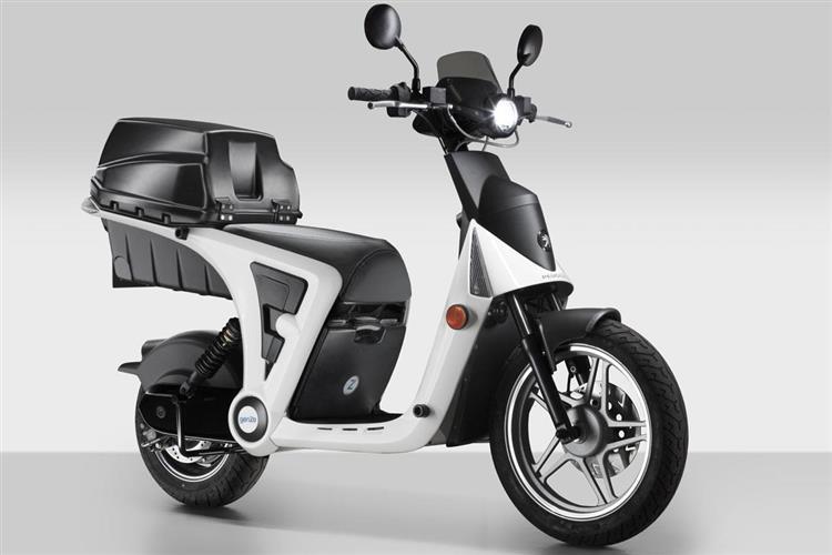 peugeot 2 0 le scooter lectrique en libre service anvers. Black Bedroom Furniture Sets. Home Design Ideas