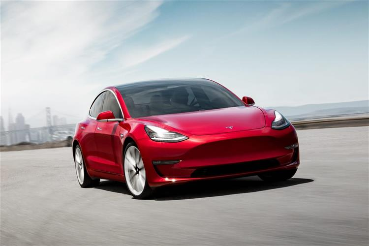 tesla model 3 en france fin du thermique en espagne showroom kia lectrique l essentiel de l. Black Bedroom Furniture Sets. Home Design Ideas