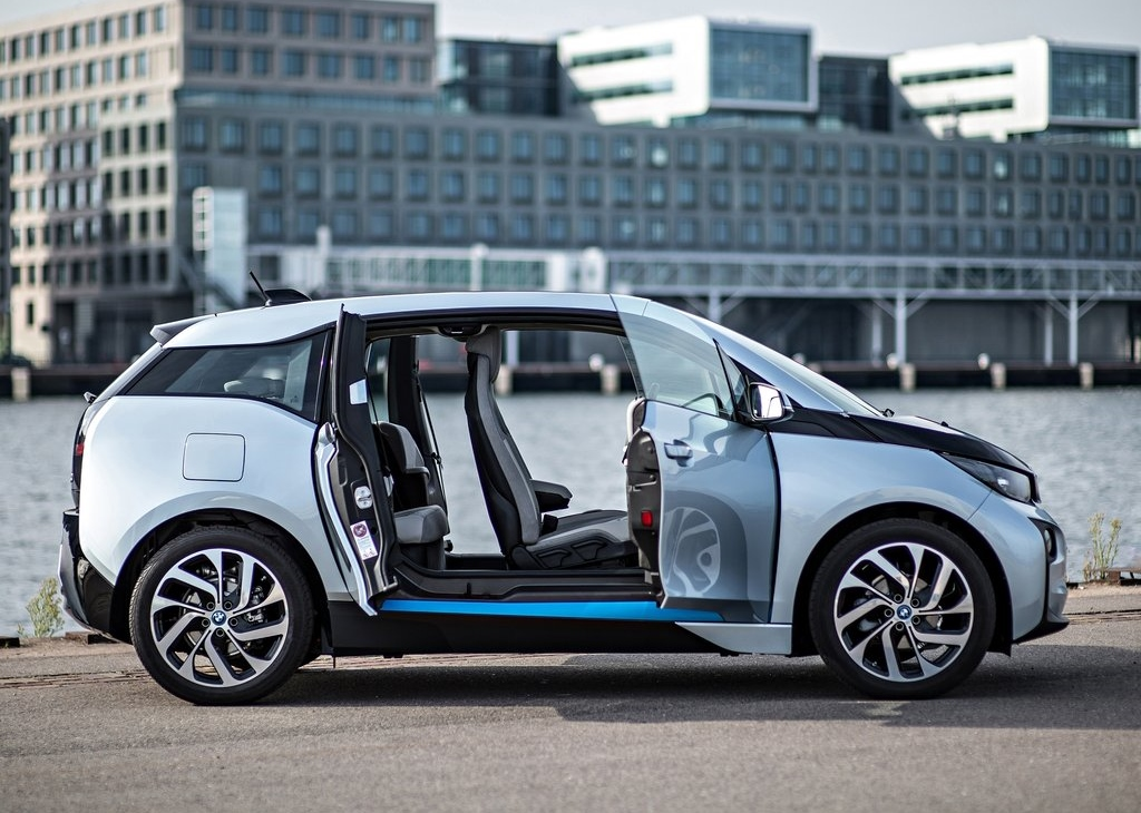 bmw i3 une nouvelle autonomie de 200 km en 2016. Black Bedroom Furniture Sets. Home Design Ideas