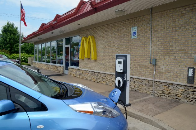 Borne de recharge Mc Donalds