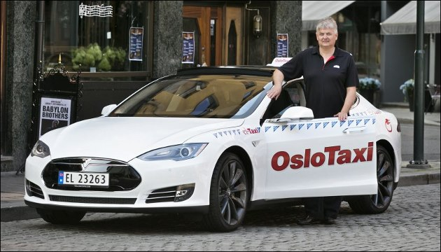 Taxi <a href='/actualites/tag/tesla-model-s'>Tesla Model S</a> Oslo