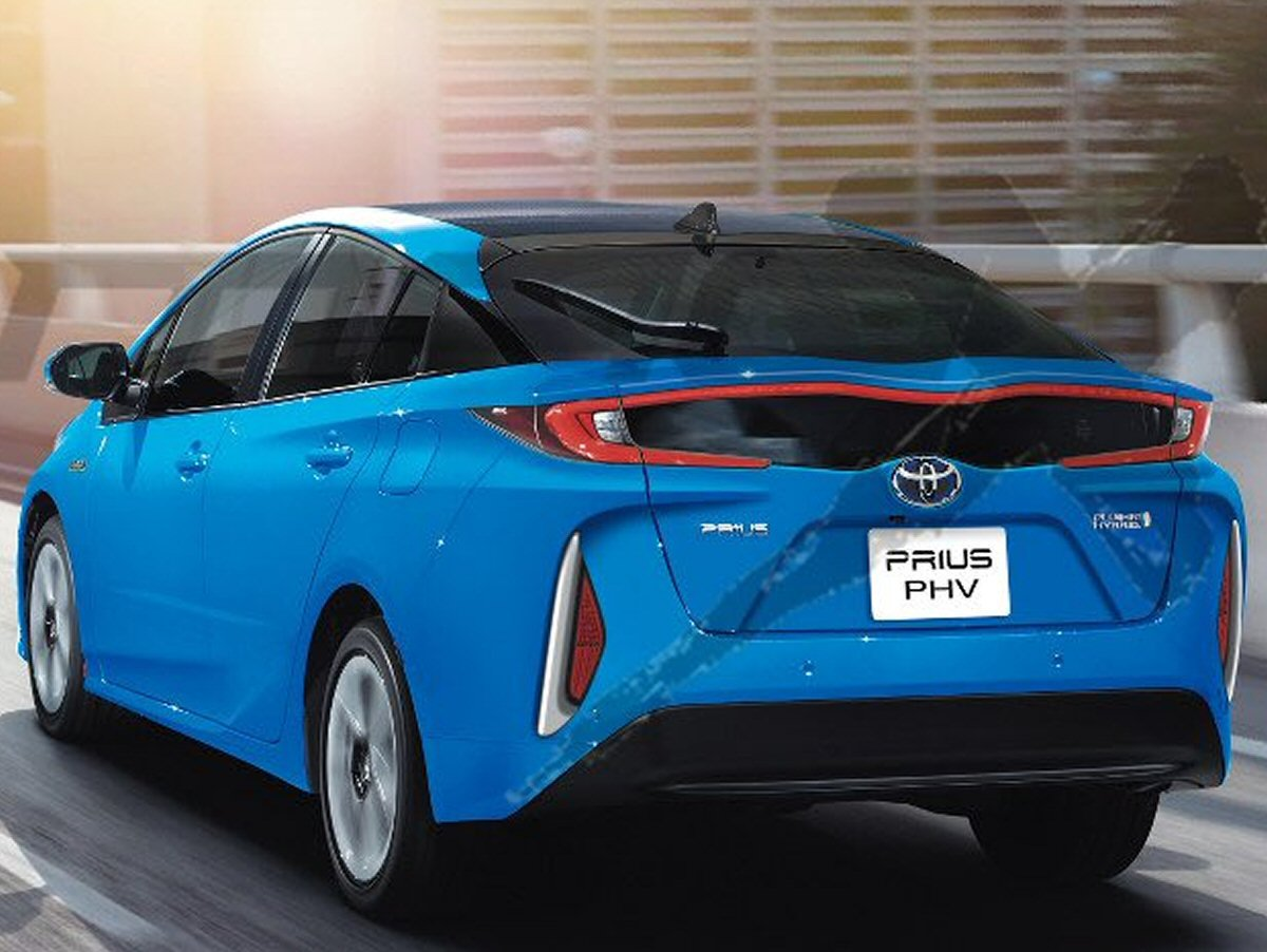 Toyota Prius L Hybride Rechargeable 224 New York Photos