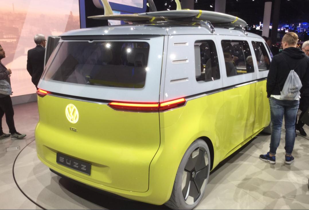 volkswagen son combi lectrique sera bien produit en 2022. Black Bedroom Furniture Sets. Home Design Ideas