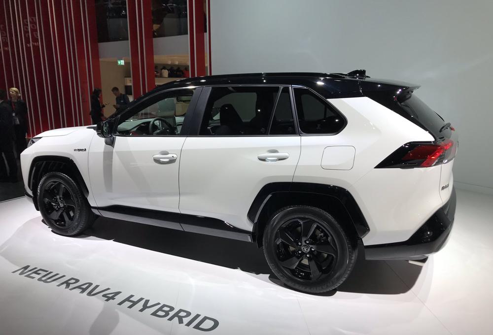 Toyota RAV4 Hybride : l'essence-électrique, seul maître à bord