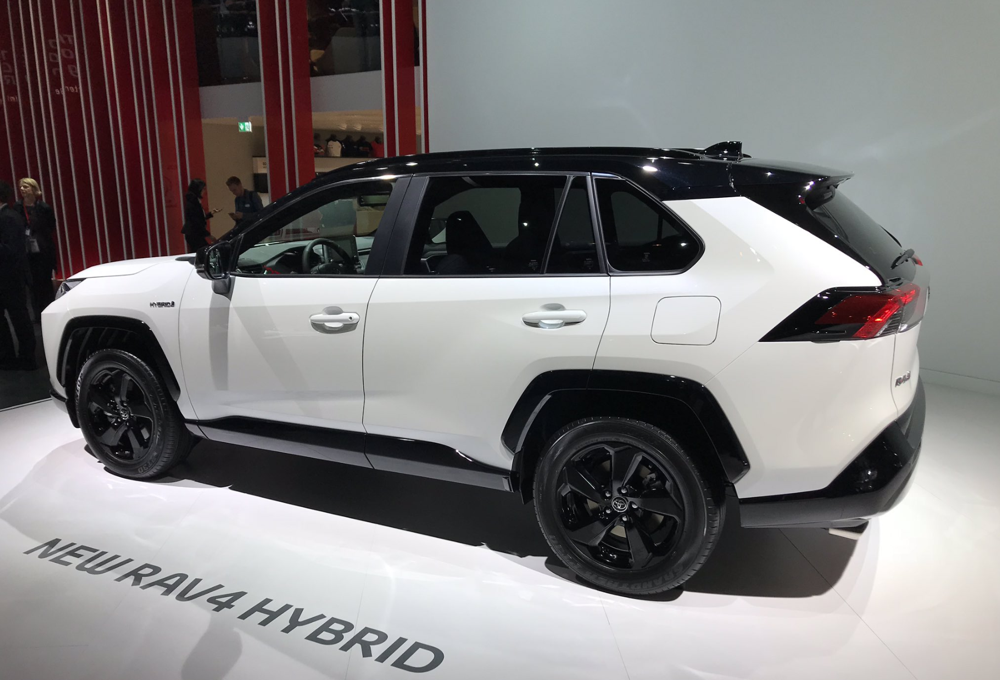 Toyota Rav4 2018 Hybrid >> Toyota RAV4 Hybride : l'essence-électrique, seul maître à bord