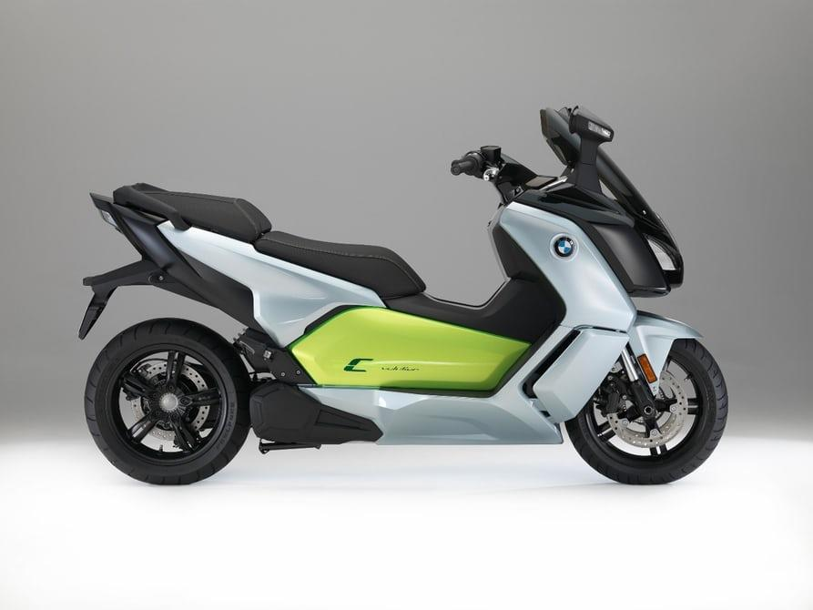 bmw c evolution le scooter lectrique gagne en autonomie. Black Bedroom Furniture Sets. Home Design Ideas