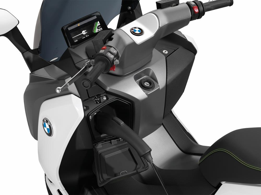 bmw c evolution le scooter lectrique l essai photos. Black Bedroom Furniture Sets. Home Design Ideas