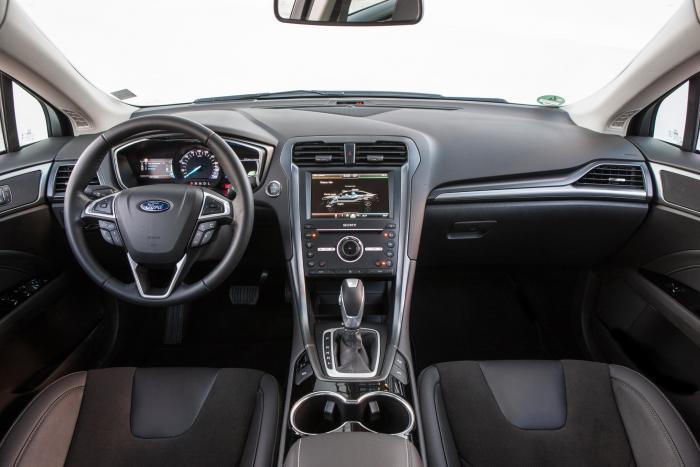 Ford-Mondeo-Hybrid-5_W1200.jpg