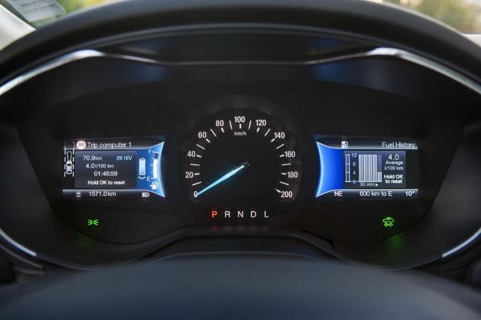 Ford-Mondeo-Hybrid-92_W1200.jpg