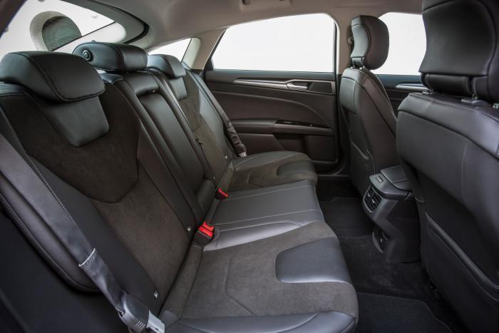 Ford-Mondeo-Hybrid-97_W1200.jpg