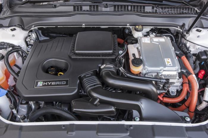 Ford-Mondeo-Hybrid-99_W1200.jpg