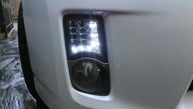Toyota-Prius-III-2014-94_W1200.jpg