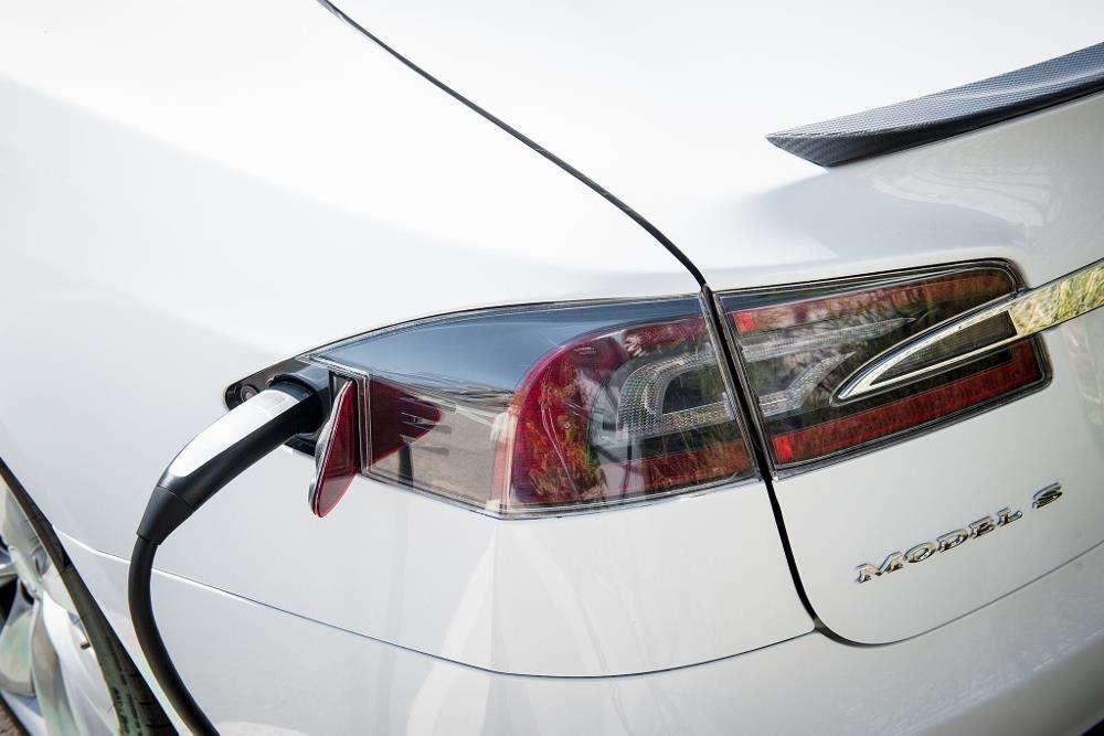 Tesla Motors Une Autonomie De 1 200 Km Attendue En 2020