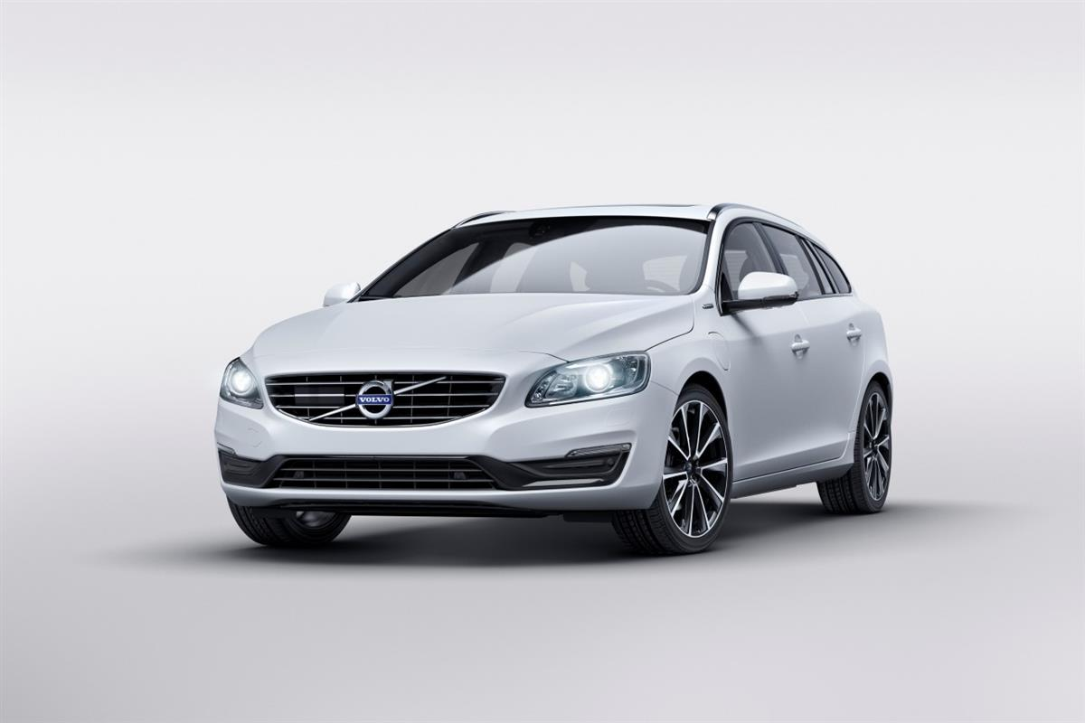 volvo v60 le break hybride rechargeable se d mocratise photos. Black Bedroom Furniture Sets. Home Design Ideas