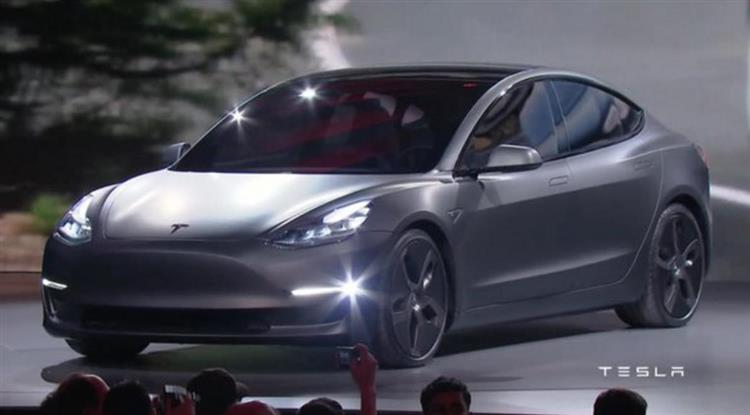 tesla model 3 prix autonomie et premi res photos. Black Bedroom Furniture Sets. Home Design Ideas