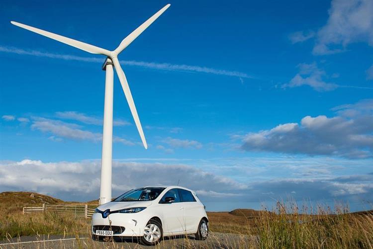 Energies renouvelables : et si la voiture électrique les favorisait ?