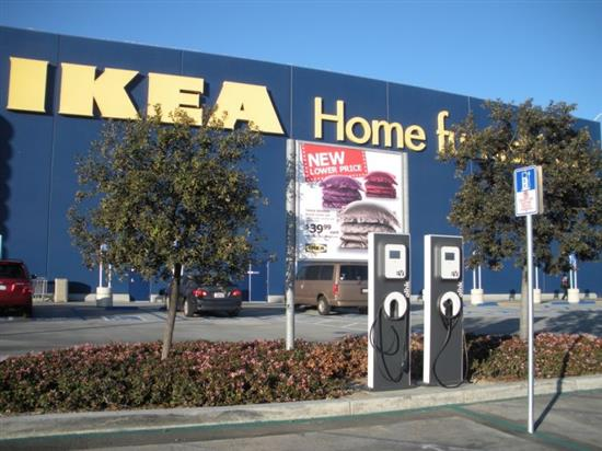 ikea installe des bornes de recharge en france. Black Bedroom Furniture Sets. Home Design Ideas
