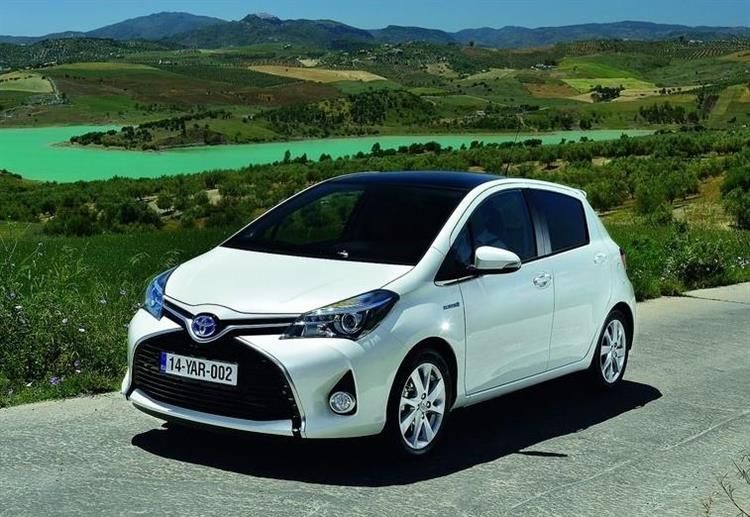 essai toyota yaris hybrid un succ s plus que m rit photos. Black Bedroom Furniture Sets. Home Design Ideas