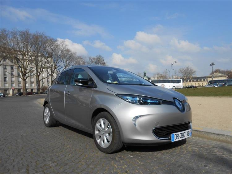 renault zoe une autonomie de 320 km pour le mondial de. Black Bedroom Furniture Sets. Home Design Ideas