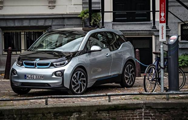 bmw i3 comment la recharger. Black Bedroom Furniture Sets. Home Design Ideas