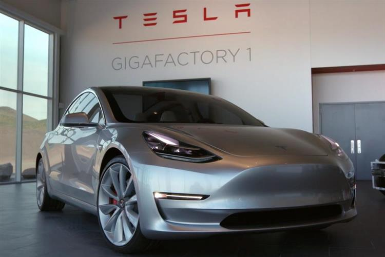 tesla model 3 d marrage de la production pilote ce 20. Black Bedroom Furniture Sets. Home Design Ideas
