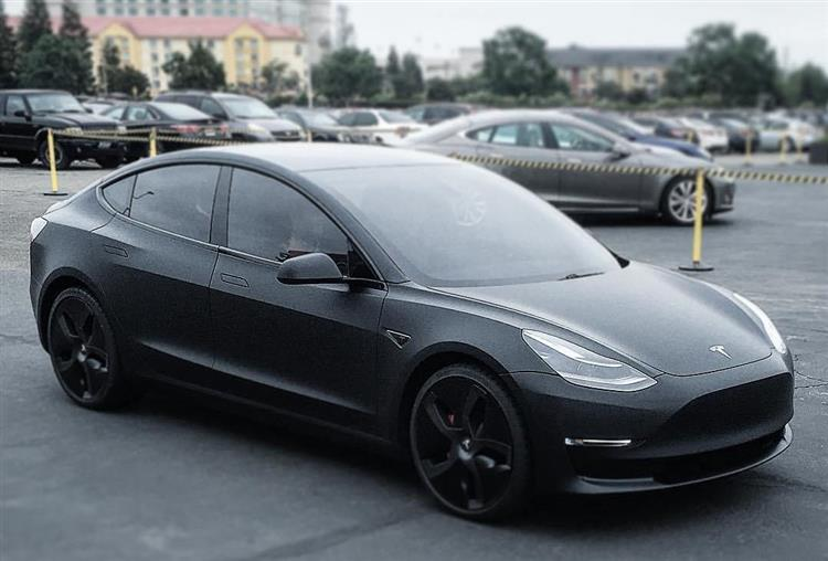 tesla model 3 les premiers prototypes bient t sur la route. Black Bedroom Furniture Sets. Home Design Ideas