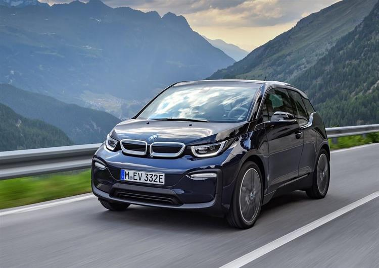bmw i3 une nouvelle autonomie de 370 km pour fin 2018. Black Bedroom Furniture Sets. Home Design Ideas