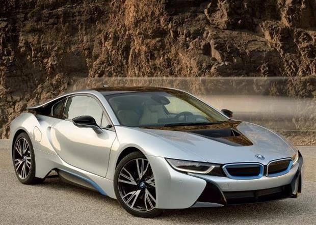 bmw i8 l hybride de luxe partir de 145 950 euros vid o essai. Black Bedroom Furniture Sets. Home Design Ideas