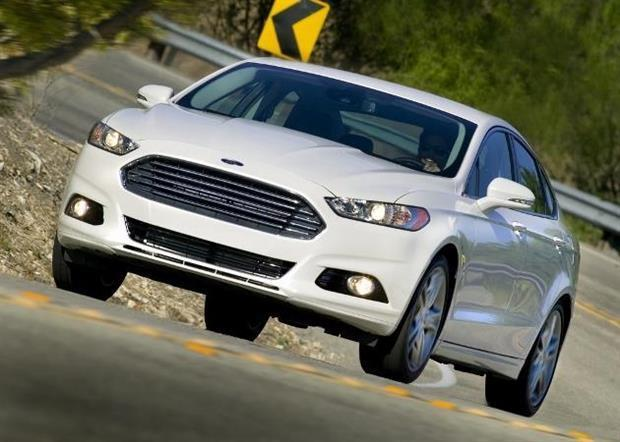 ford mondeo hybrid elle arrive enfin en europe. Black Bedroom Furniture Sets. Home Design Ideas
