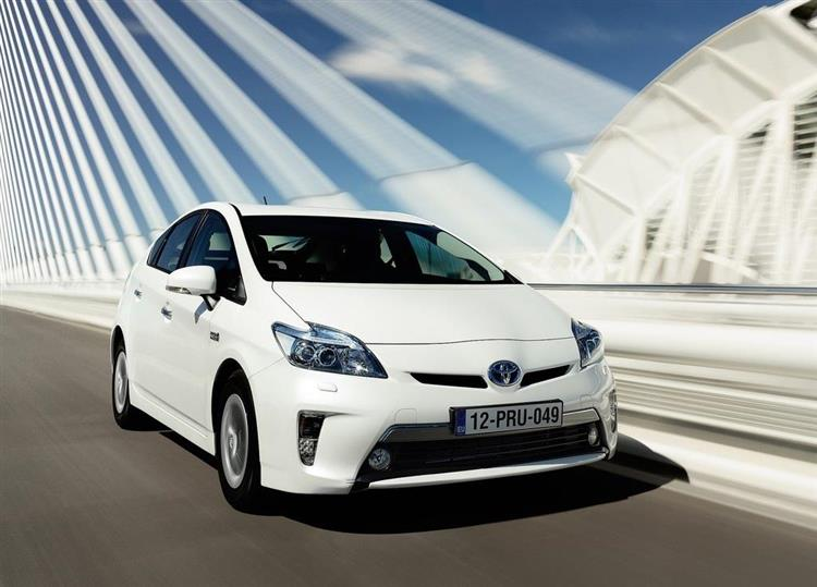 toyota prius plug in l hybride rechargeable la plus. Black Bedroom Furniture Sets. Home Design Ideas