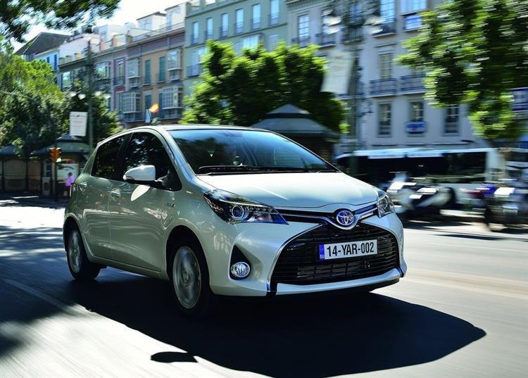 voitures hybrides paris propose le stationnement gratuit. Black Bedroom Furniture Sets. Home Design Ideas