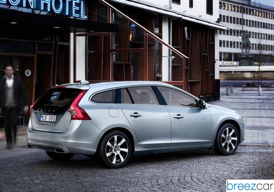 volvo v60 plug in hybrid prix consommations caract ristiques techniques. Black Bedroom Furniture Sets. Home Design Ideas