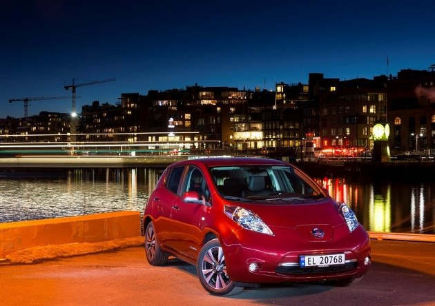 nissan leaf 2016 une autonomie en hausse de 25. Black Bedroom Furniture Sets. Home Design Ideas