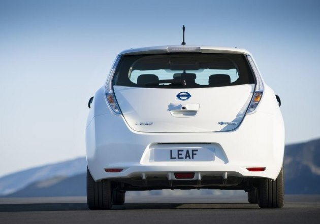 nissan leaf une autonomie en hausse d s cet t. Black Bedroom Furniture Sets. Home Design Ideas