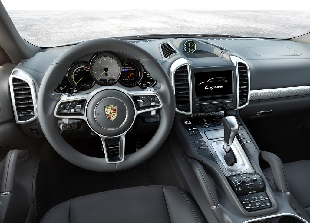le suv porsche cayenne se met l hybride rechargeable photos. Black Bedroom Furniture Sets. Home Design Ideas