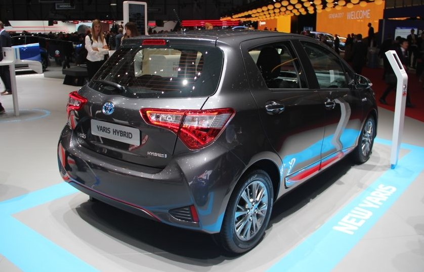toyota yaris l hybride remplace le diesel au salon de gen ve. Black Bedroom Furniture Sets. Home Design Ideas