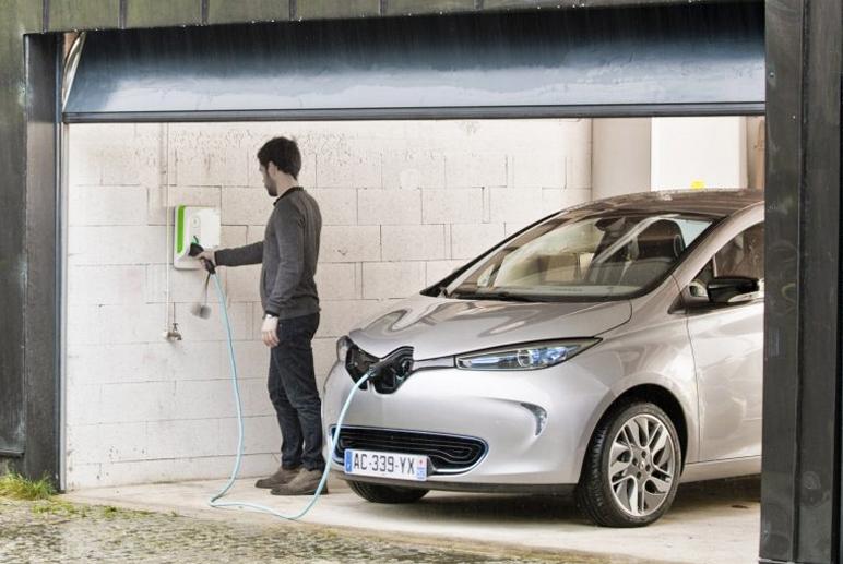 EDF lance son offre pour les voitures électriques