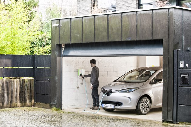 renault zoe ce que le c ble de recharge occasionnelle va changer. Black Bedroom Furniture Sets. Home Design Ideas